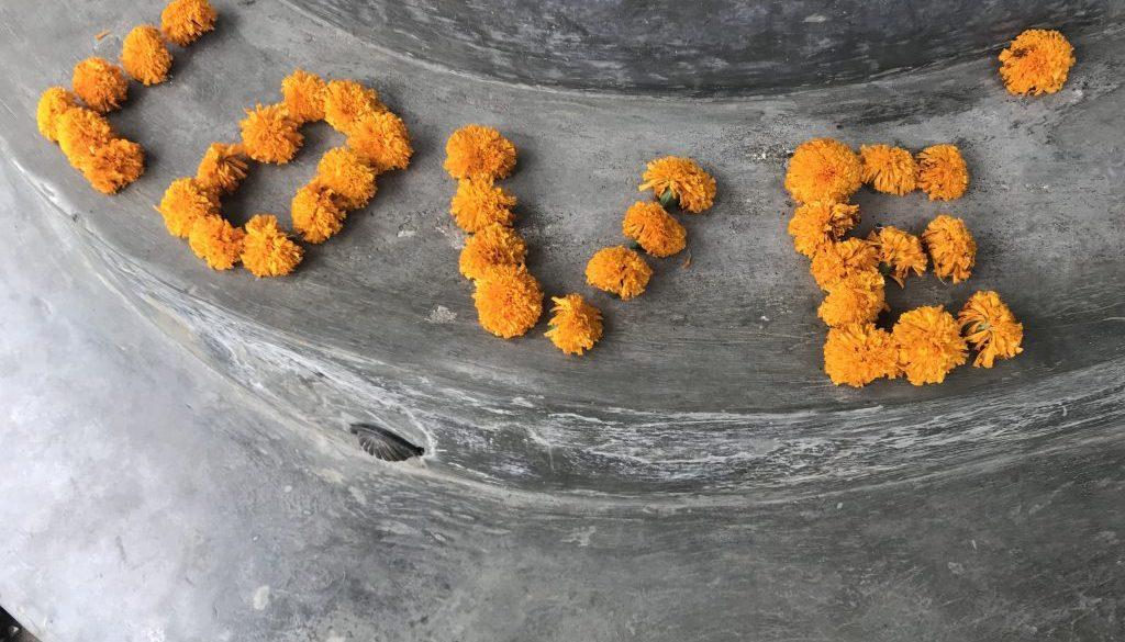 Mudra cafe Ubud Bali stentrappa orange nejlikor love
